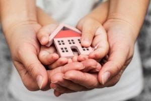 Может ли мать проживать по месту прописки несовершеннолетнего ребенка