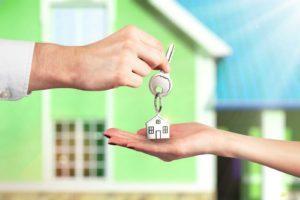 Что лучше: «дарение» или договор «купли-продажи» между родственниками