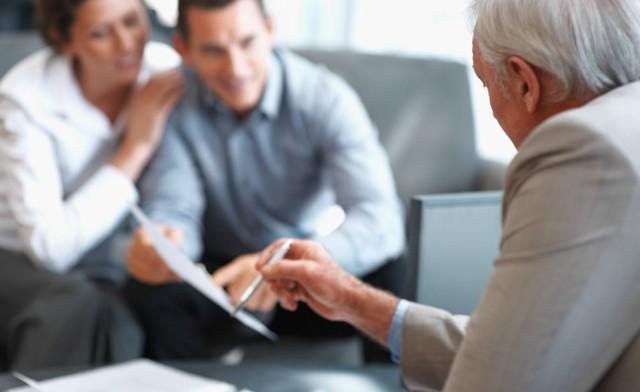 Договор «дарения» между супругами: оформление квартиры в дар
